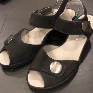 Ara wedge heel B-3